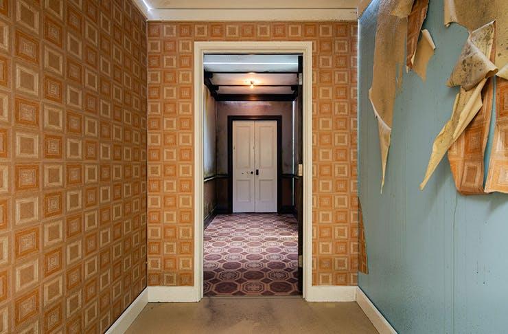 1000 doors