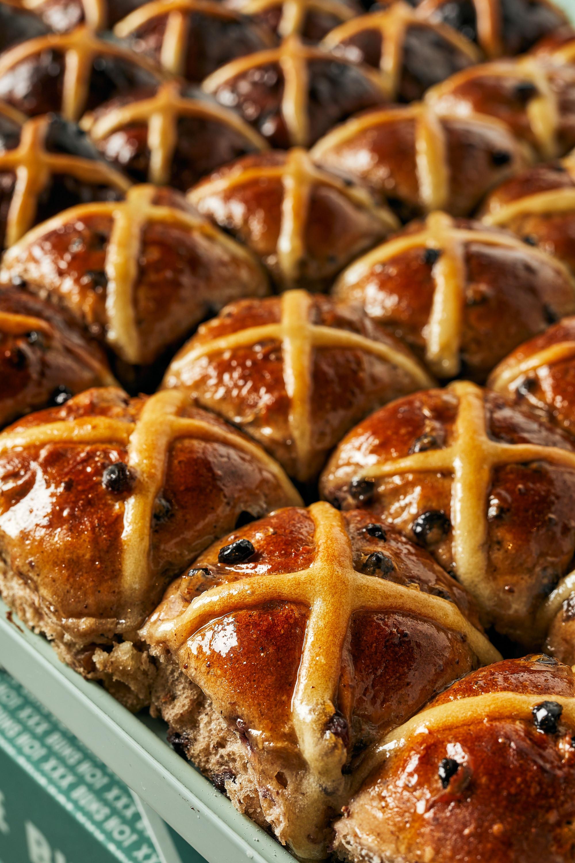 rows of hot cross buns