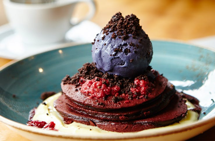 axil-coffee-hawthorn-red-velvet-pancakes