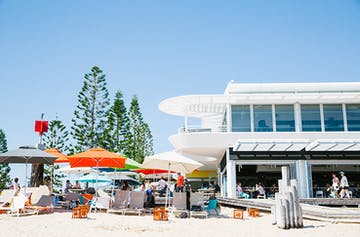 20 Thoughts We Have About Australia's First Licensed Beach Bar!