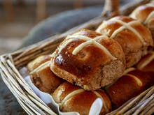 Here's Where To Find The Sunshine Coast's Best Hot Cross Buns