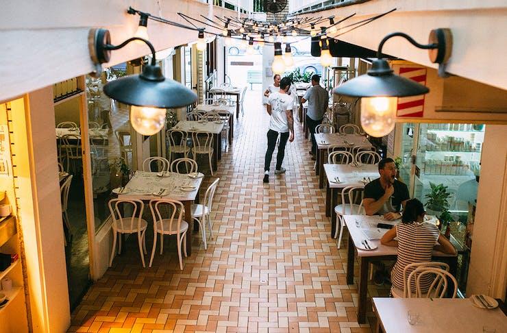 best restaurants in burleigh