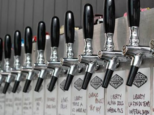 Brothers Beer is a one of the best craft beer bars in Auckland, with 18 taps and over 200 bottles of beer.