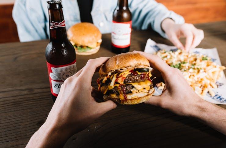 Hanks Burgers & Beers