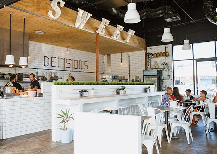decisions_cafe_mooloolaba