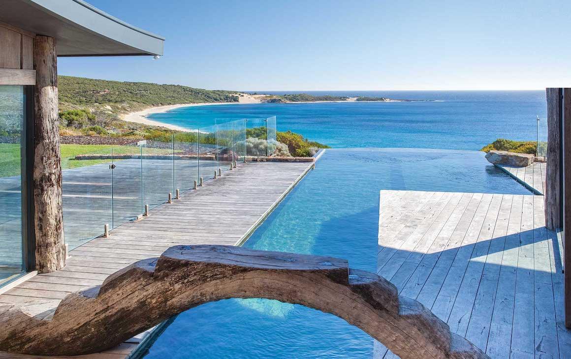 The infinity pool at Injidup Bay House