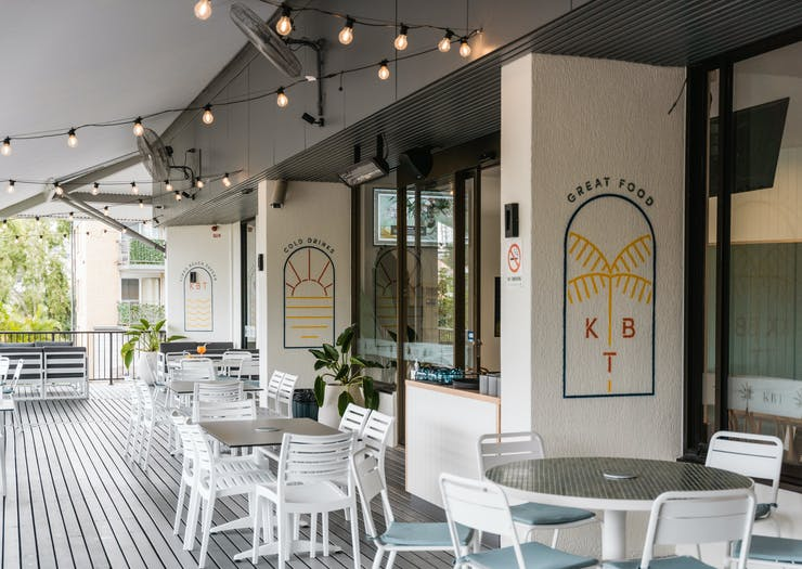 the kings beach tavern outdoor deck