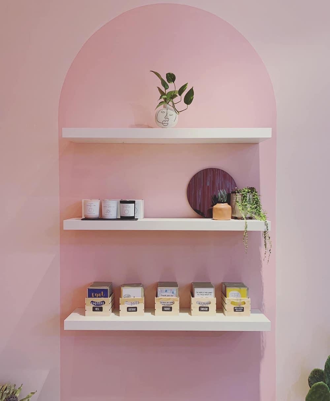 Market Hub Morley's Pink Arch