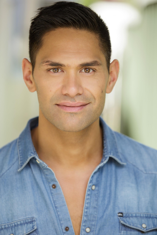 A headshot of actor Matu Mgaropo.