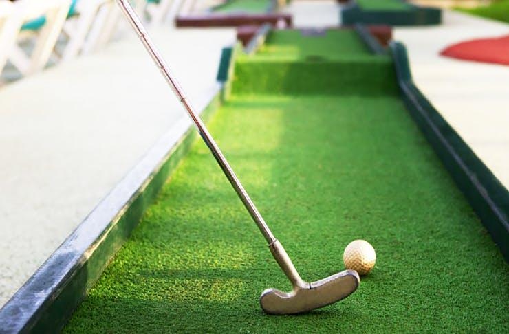 Grab Ya' Clubs | A Pop-Up Mini Putt-Putt Course Is Happening On The Coast