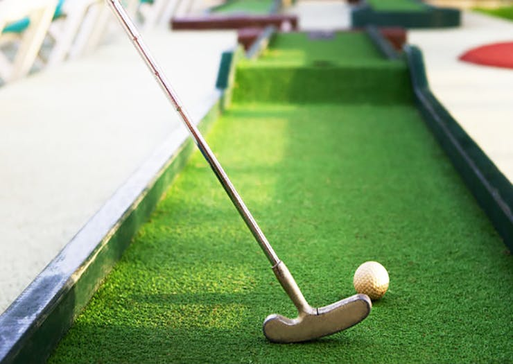 Grab Ya' Clubs | A Pop-Up Mini Putt-Putt Course Is Happening On The Coast