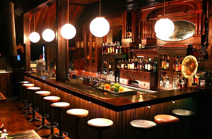 aucklands best themed bars