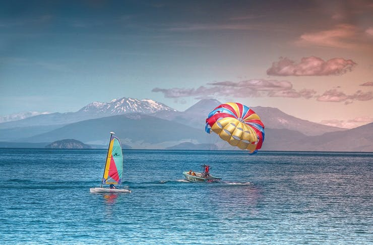 New Zealand's Best Parasailing Spots