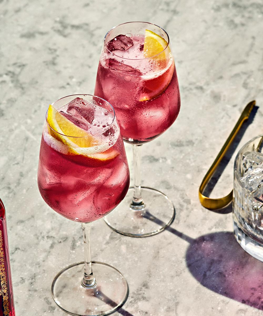 The Bombay Bramble Spritz Cocktail