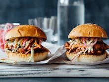 Level Up Weeknight Dinners With This Tasty PERi-PERi Chicken Burger Recipe