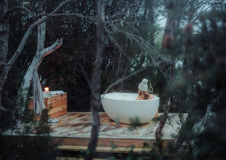 5 Cosy Retreats In Tasmania That Are Worth The Road Trip