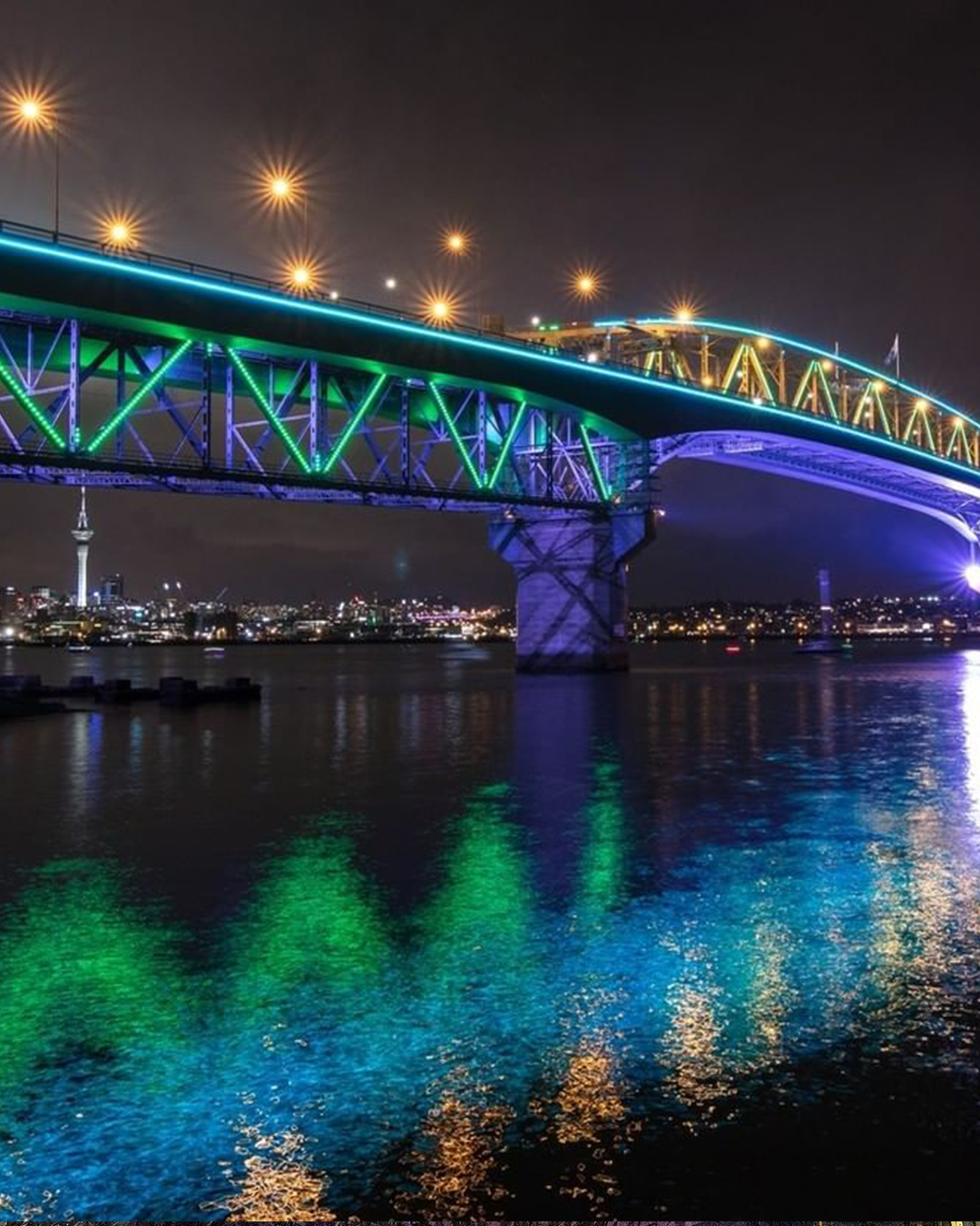 Vector Lights at the Auckland Harbour Bridge for Matariki