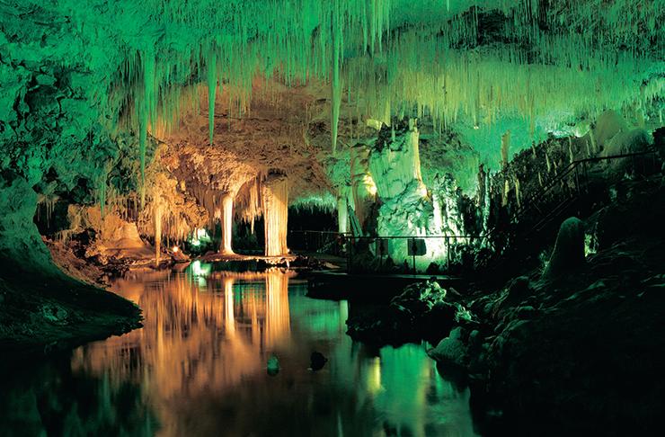 WA Best Caves Lake Cave