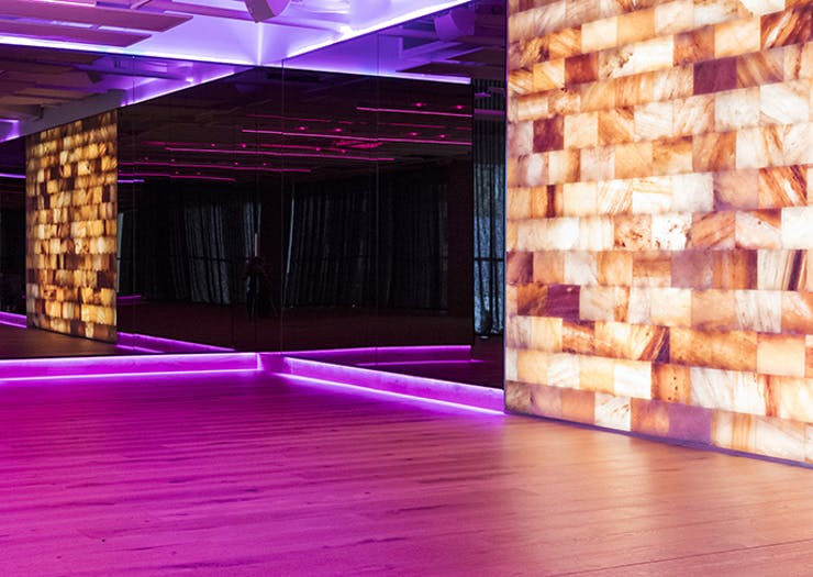 All The Reasons Why Your Yoga Studio Needs A Himalayan Salt Wall