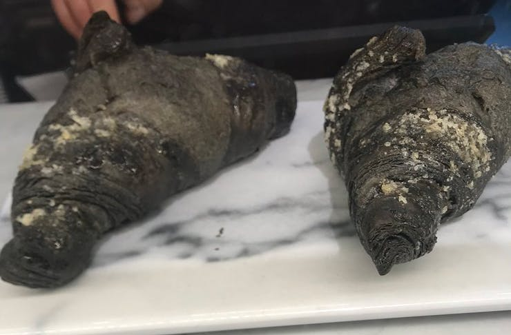 activated-charcoal-vegan-croissant