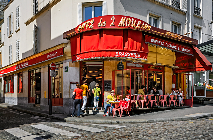 French corner cafe from 2001 film Amélie.