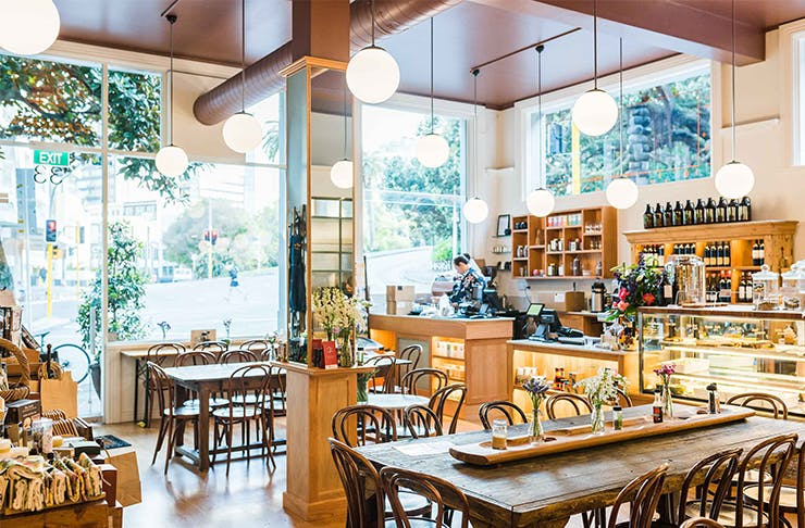 auckland cafes with shops