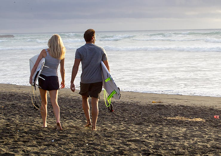 Auckland's Best Secret Surf Spots To Check Out This Weekend