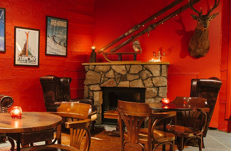 best-brisbane-bars-with-fireplaces