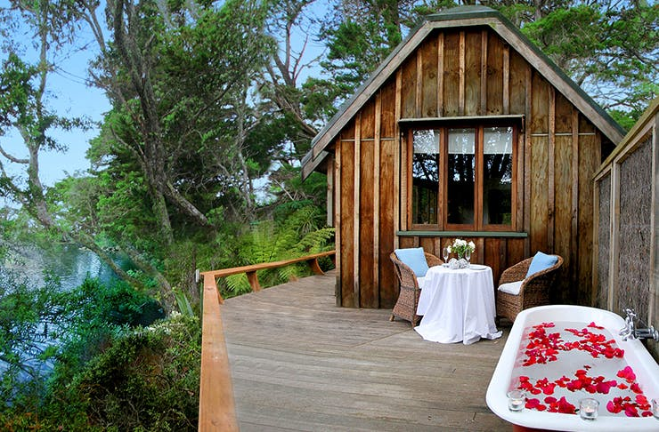 romantic places to stay in auckland