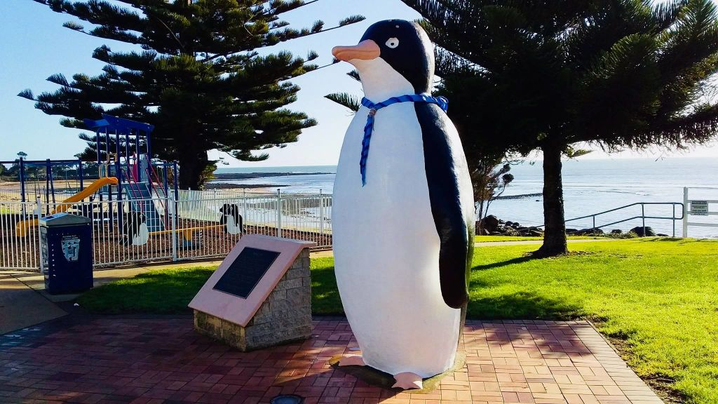 A 10-metre large penguin in the city of Penguin.