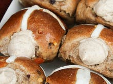 10 Of Brisbane's Best Hot Cross Buns To Devour This Easter