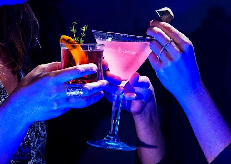 A Glow In The Dark Gin Bar Is Popping Up In Sydney