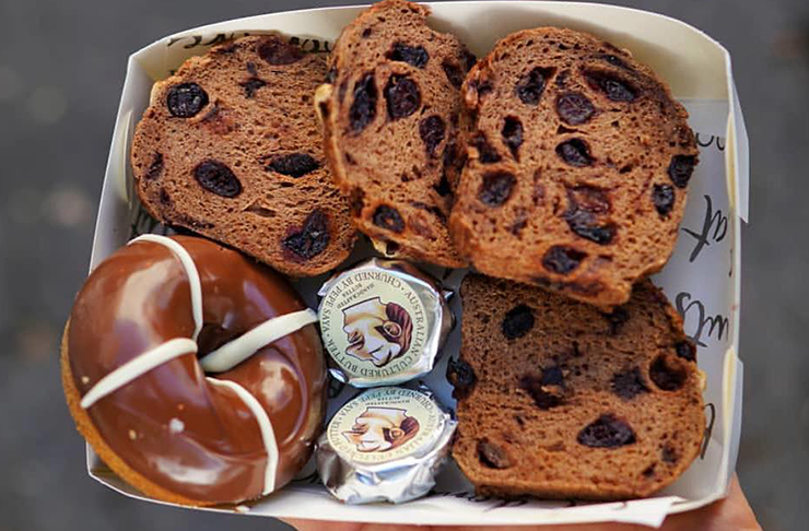 brisbanes-best-hot-cross-buns