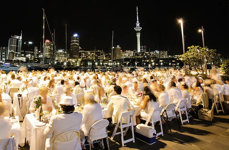 People in Auckland at Diner en Blanc
