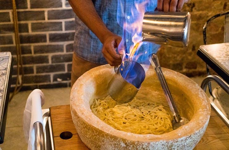 flaming-cheese-wheel-brisbane