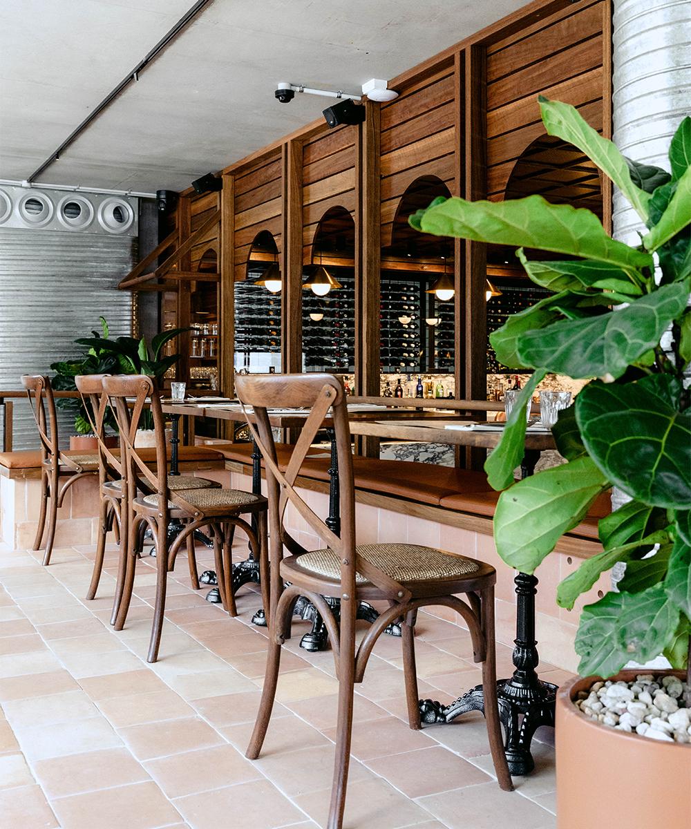 tables outside gemelli italian