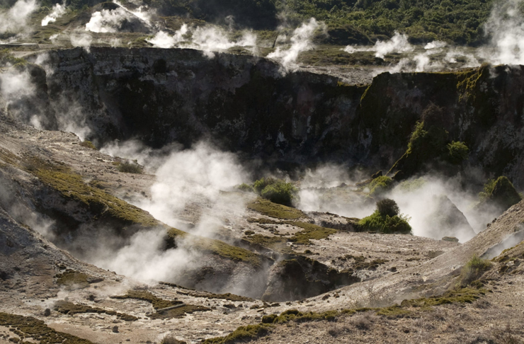 Here's Where To Find Spectacular New Zealand Geothermal Spots