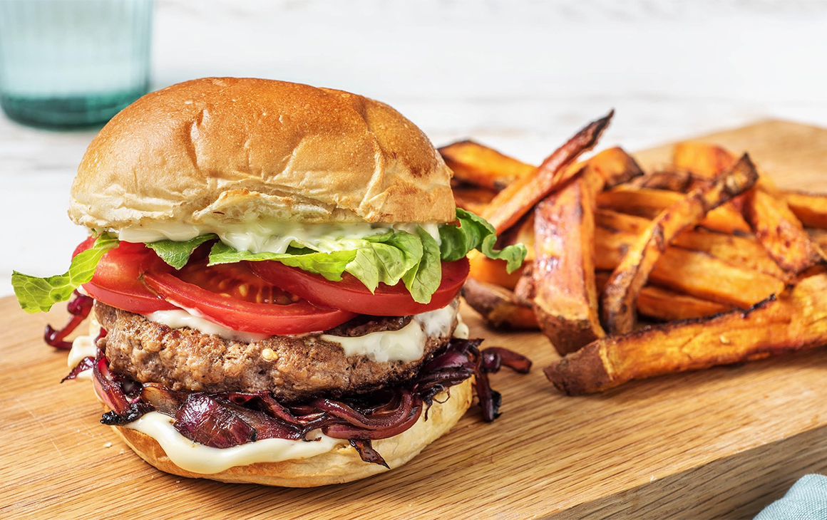 A delicious looking burger and chips from HelloFresh.