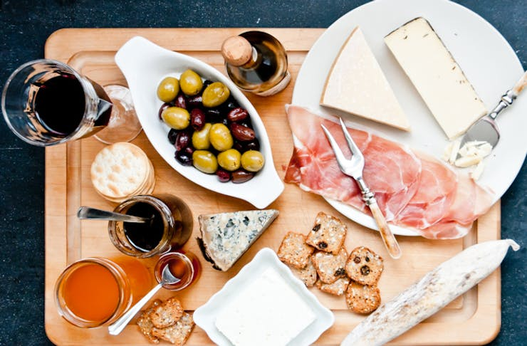 how to make a cheese board, how to make a platter, best cheese platters, cheese platters 101