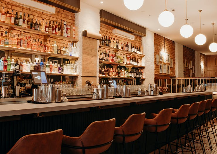 bar in leaonards restaurant