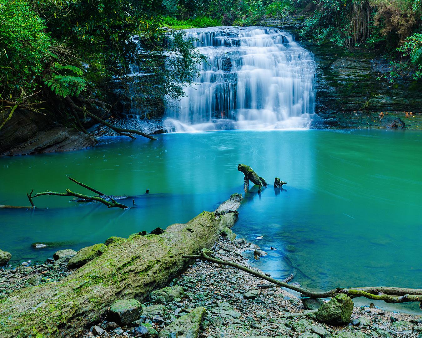 Lucas Creek Waterfall looks oh so inviting.