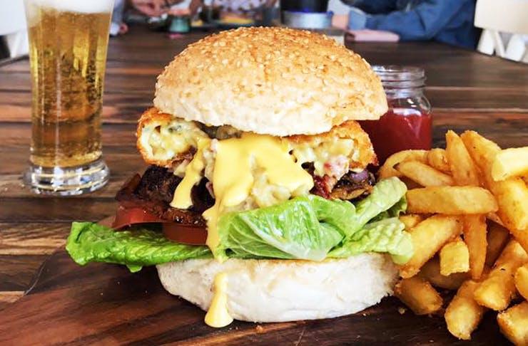mac-n-cheese-burger-sunshine-coast