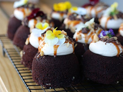 mint cakery, best cafes in auckland, mini cakes, where to find cakes in Auckland, best cakes auckland