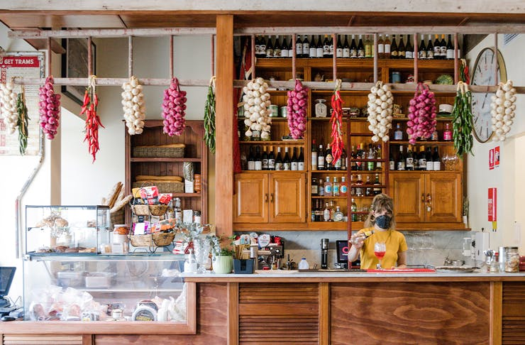 the bar and deli at mr badgers