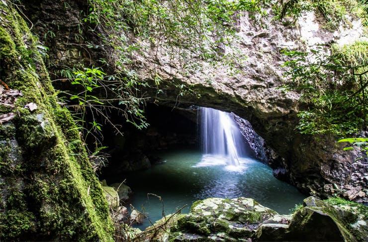 natural arch springbrook
