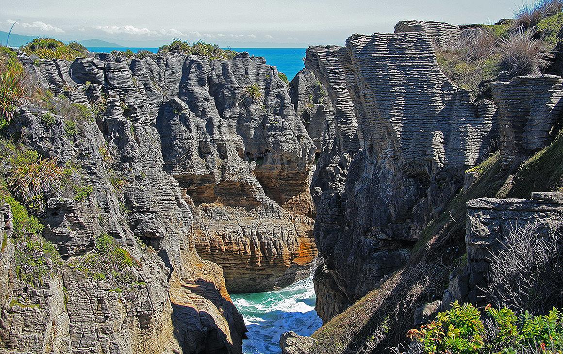 A view of the stunning Pancake Rocks at Punakaiki