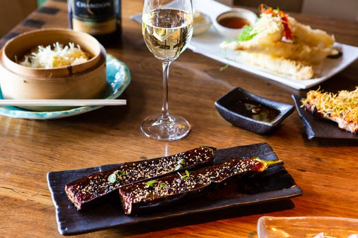 Lunch Sorted | Get Ready For Unlimited Champagne Flutes And Fresh Seafood