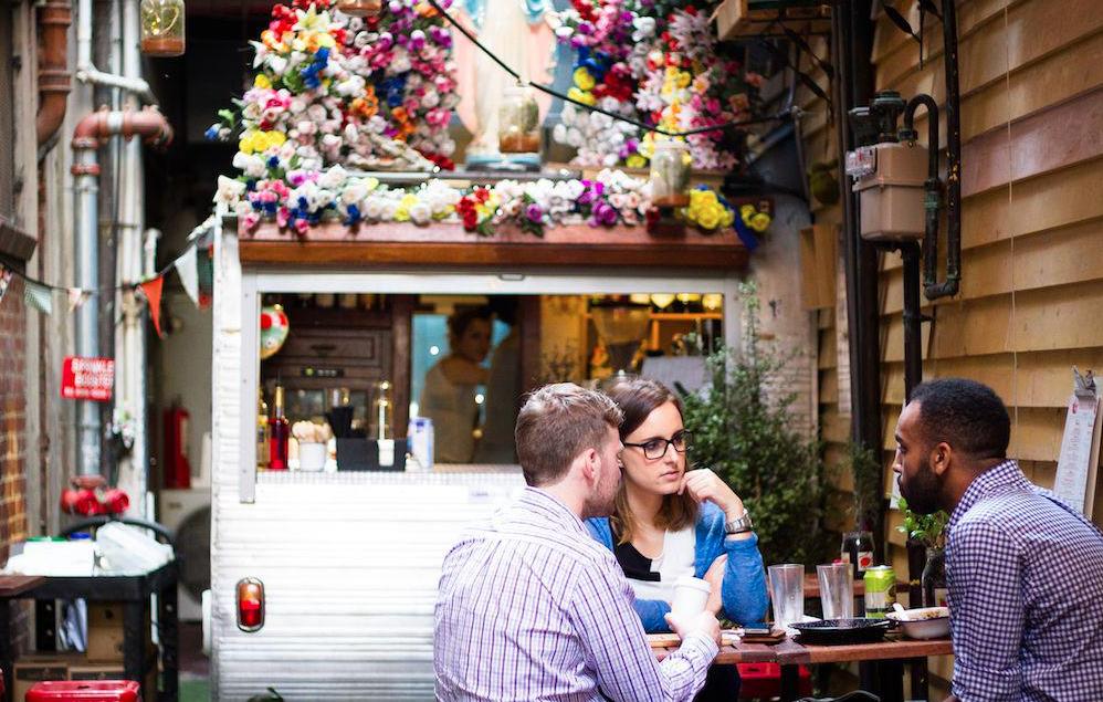 Dating barer Melbourne
