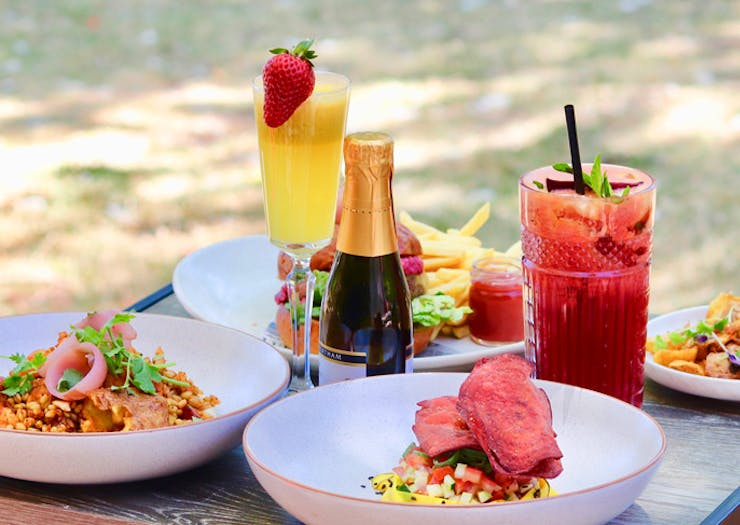 Get Feasting, We've Found A Bottomless Brunch With Free-Flowing Mimosas For $25