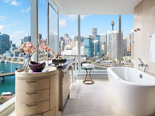 best-luxury-hotel-sydney-darling-harbour